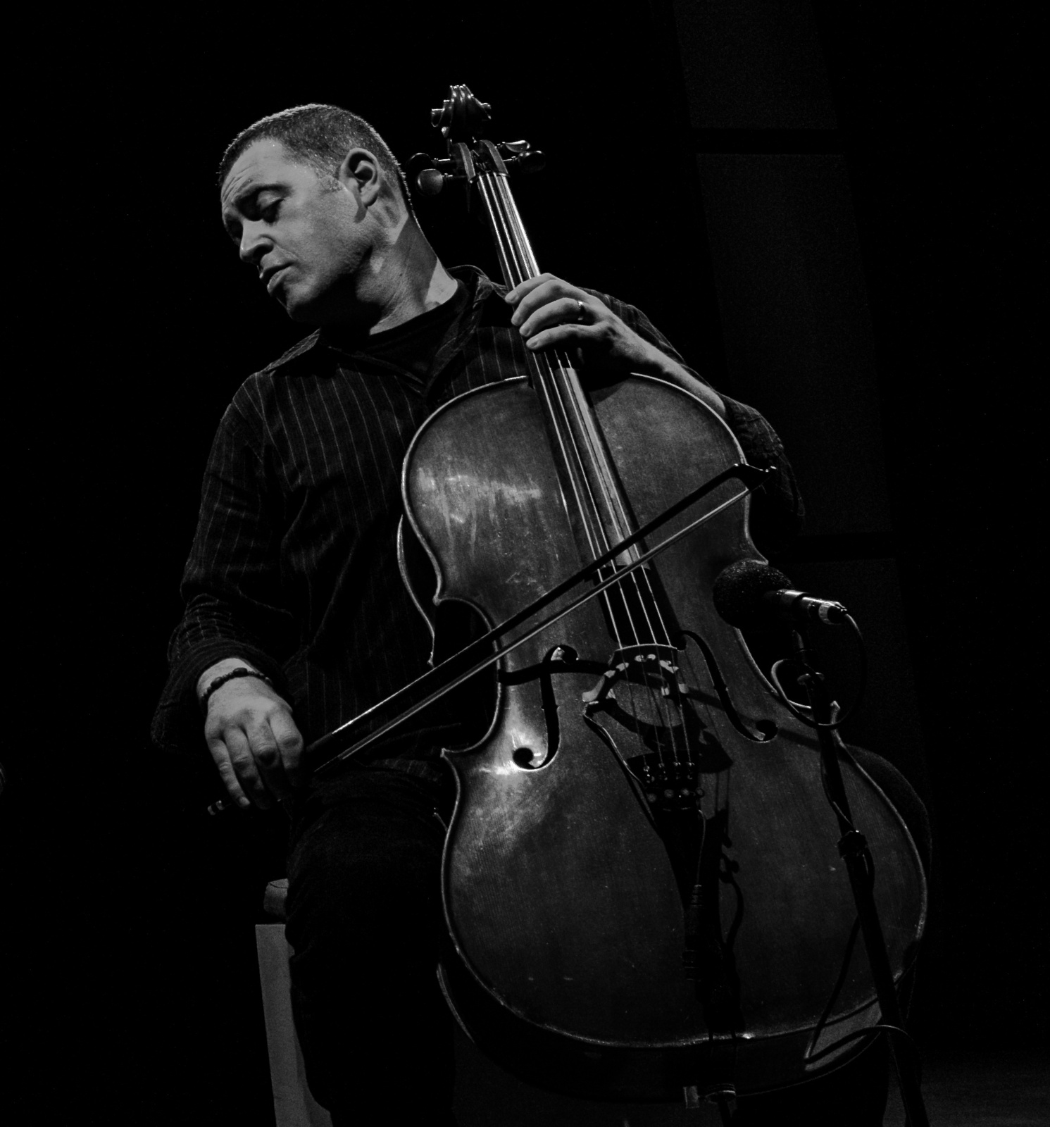 January Artist Feature: Cellist Daniel Levin