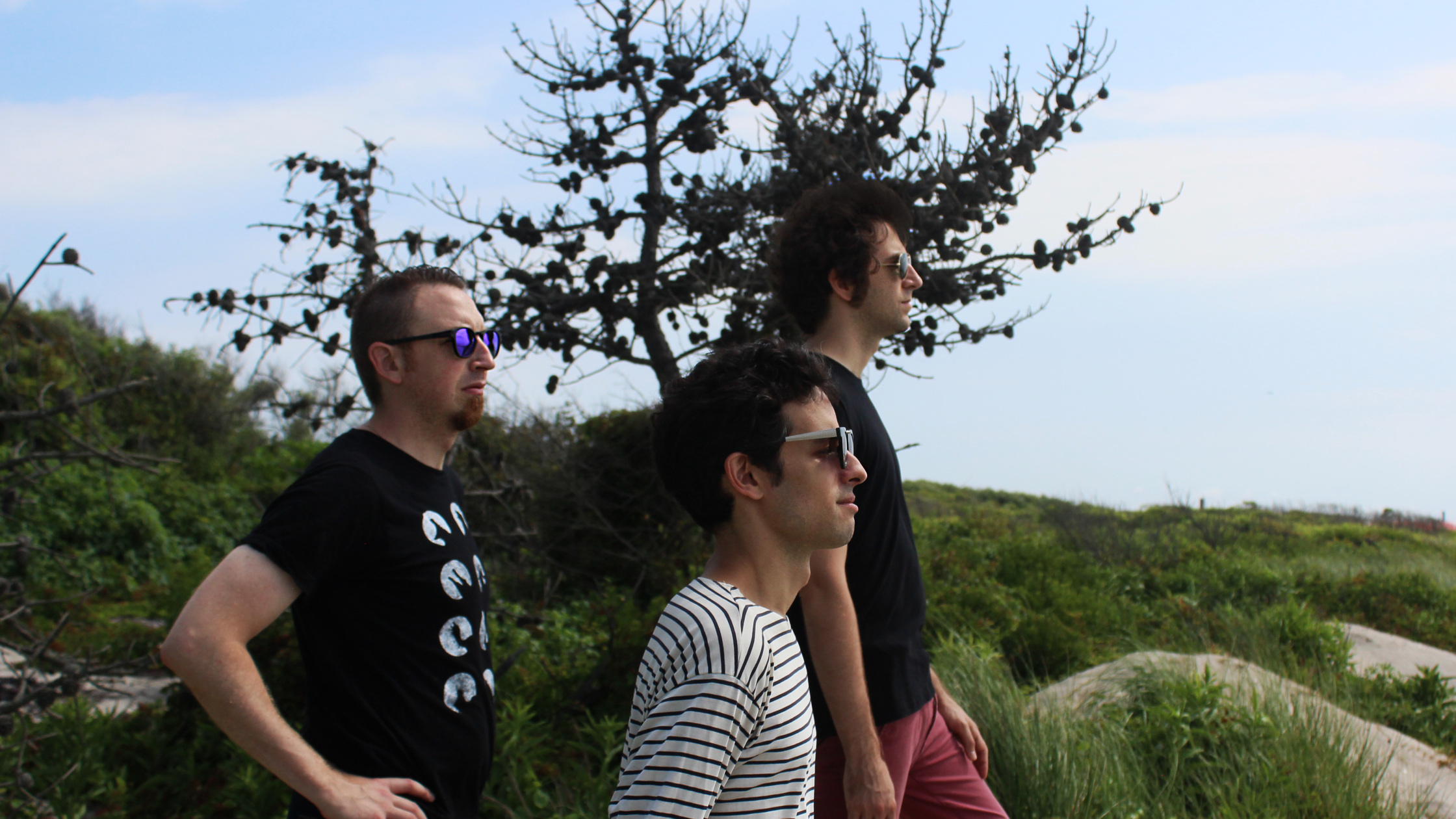 Review : Earth Tongues Live At Happy Lucky No. 1, October 13